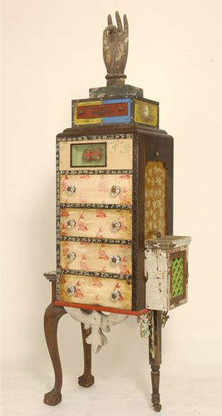 La Chueca Cabinet